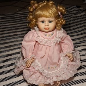 Collector Baby doll Heritage Mint
